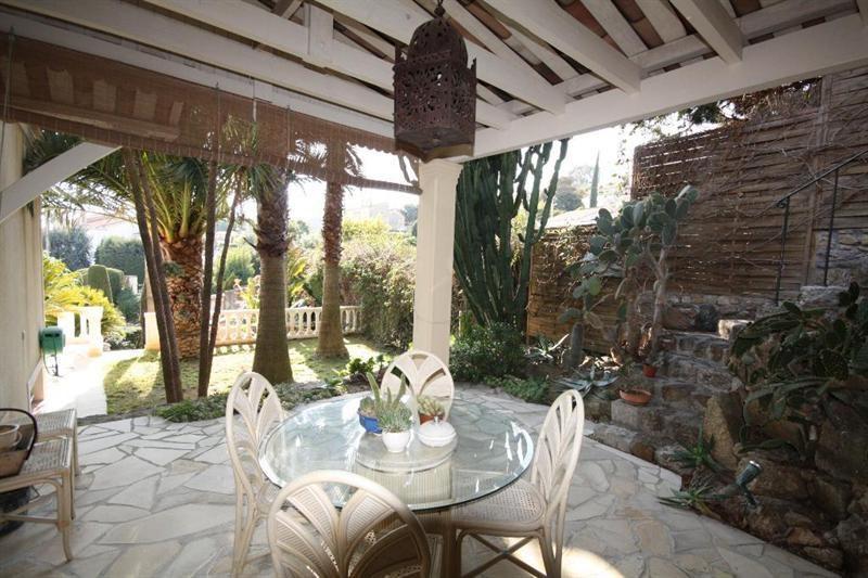 Deluxe sale house / villa Le golfe juan 1690000€ - Picture 4