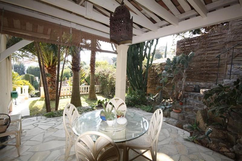Vente de prestige maison / villa Le golfe juan 1690000€ - Photo 4