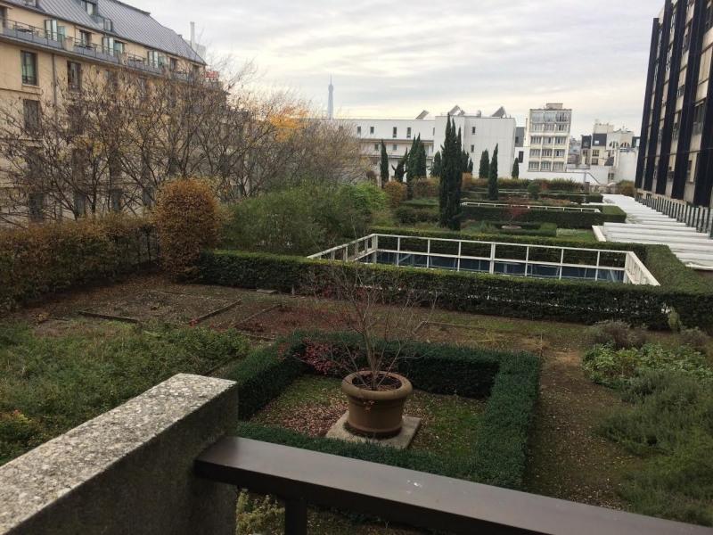 Location appartement Paris 8ème 2970€ CC - Photo 2