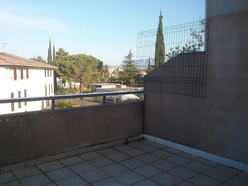 Location appartement Trets 823€ CC - Photo 2