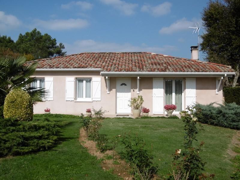 Sale house / villa Montpon menesterol 160900€ - Picture 1
