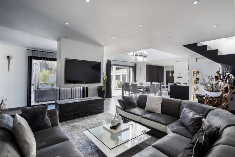 Deluxe sale house / villa Domazan 880000€ - Picture 5