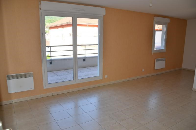 Rental apartment Bellegarde sur valserine 546€ CC - Picture 1