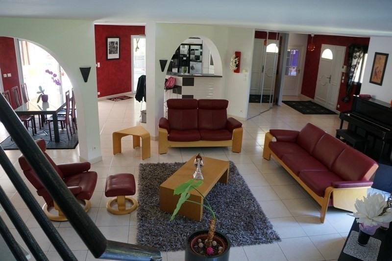 Vente de prestige maison / villa Cherves richemont 628950€ - Photo 3