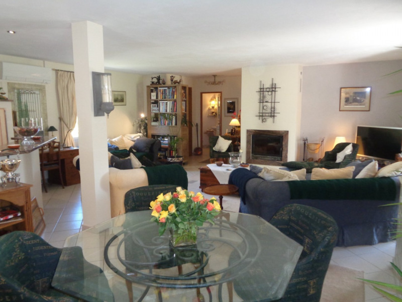 Deluxe sale house / villa Aups 735000€ - Picture 9