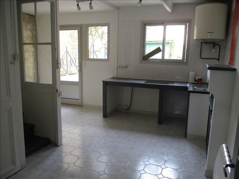 Rental house / villa St jean d angely 492€ CC - Picture 3