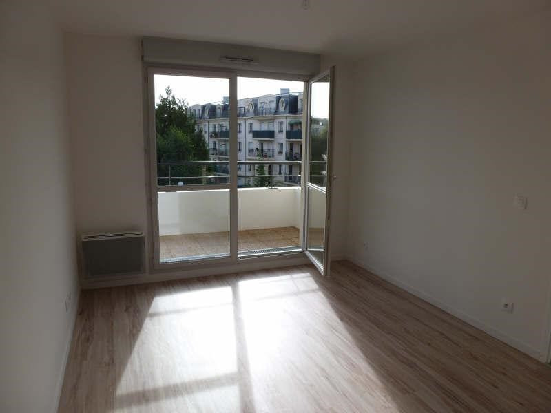 Location appartement St cyr l ecole 789€ CC - Photo 1
