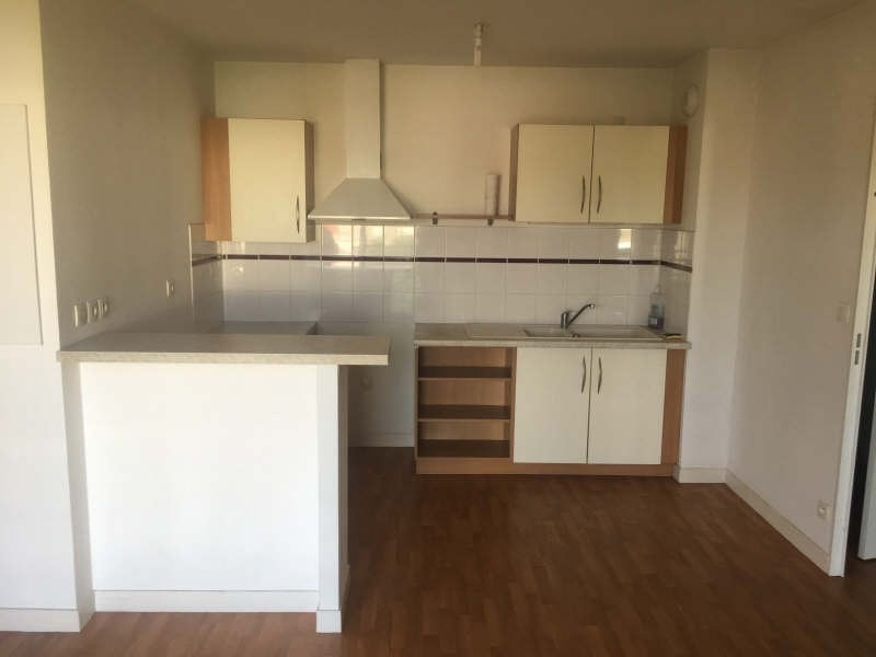 Location appartement Poitiers 462€ CC - Photo 2