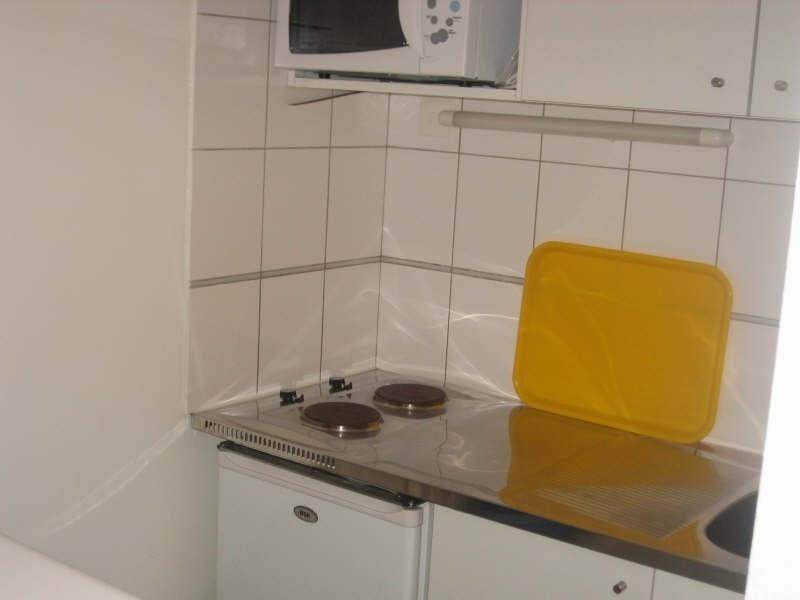 Rental apartment Pauillac 355€ CC - Picture 2