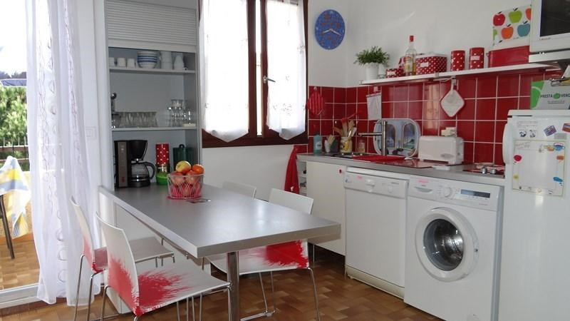 Location vacances appartement Cavalaire 420€ - Photo 8
