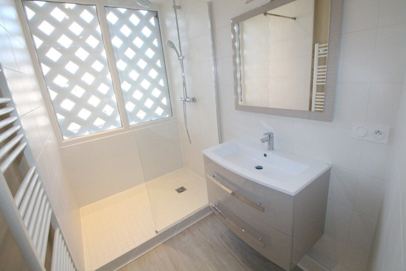 Sale apartment Grenoble 153000€ - Picture 3