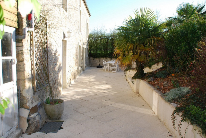 Sale house / villa Bons tassilly 259000€ - Picture 5