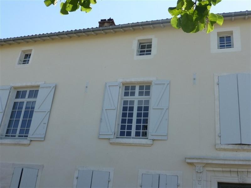 Rental apartment Saint-jean-d'angély 530€ CC - Picture 5