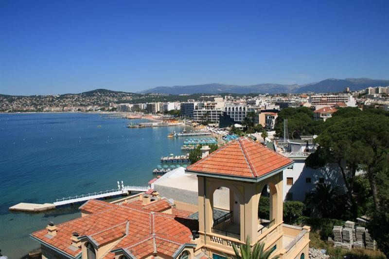 Deluxe sale apartment Cap d'antibes 3 150 000€ - Picture 2