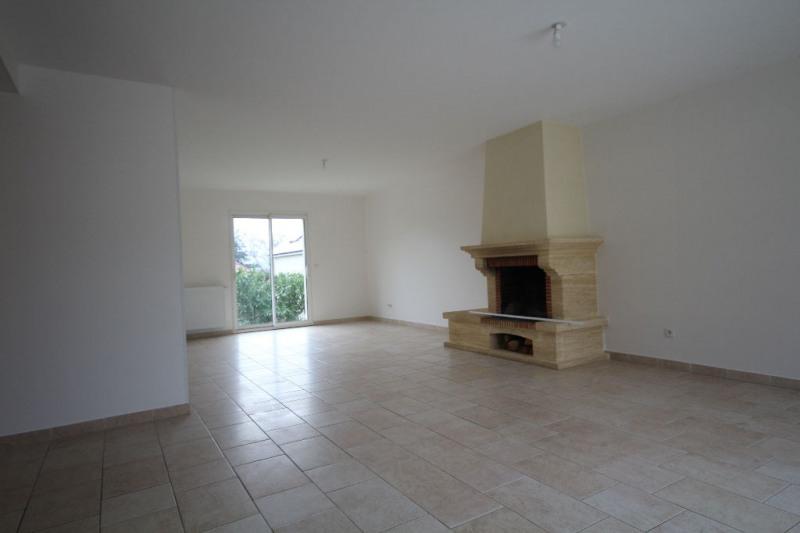 Rental house / villa Aigremont 2325€ CC - Picture 1