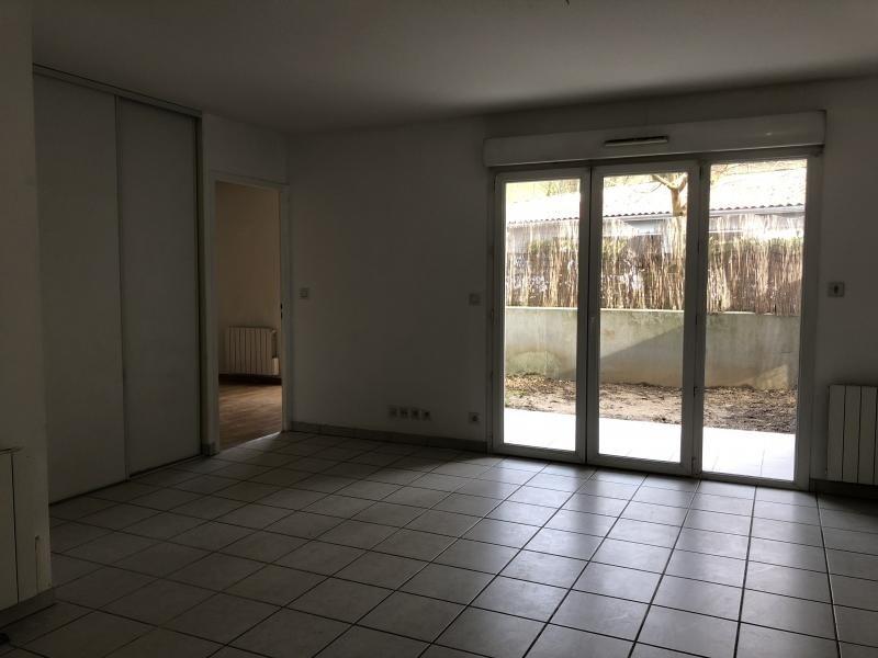 Location appartement Genay 595€ CC - Photo 2