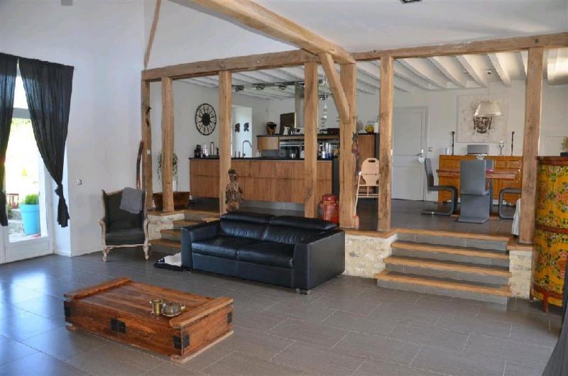 Sale house / villa Machault 426000€ - Picture 2