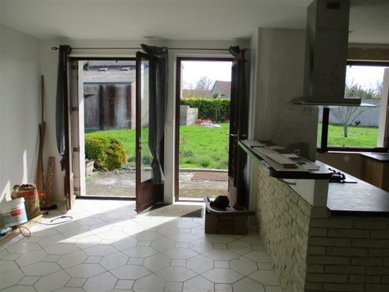 Sale house / villa St jean d angely 111800€ - Picture 4