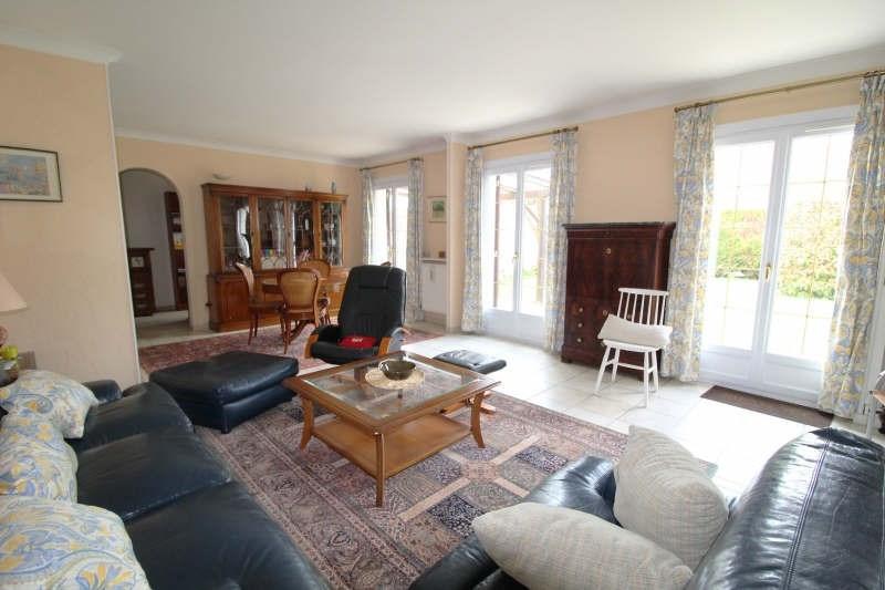 Sale house / villa Maurepas 345000€ - Picture 2