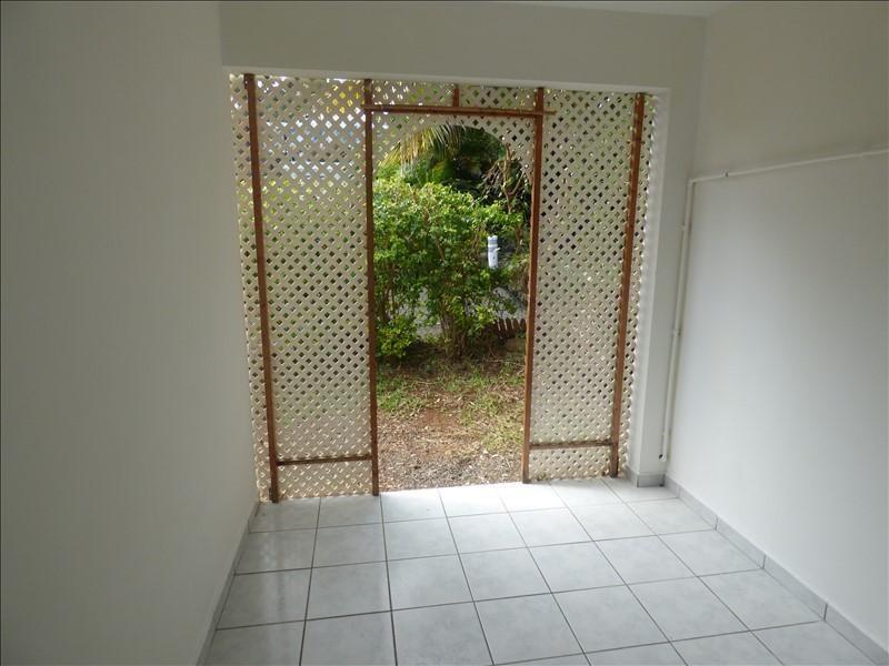 Sale apartment St pierre 78500€ - Picture 2