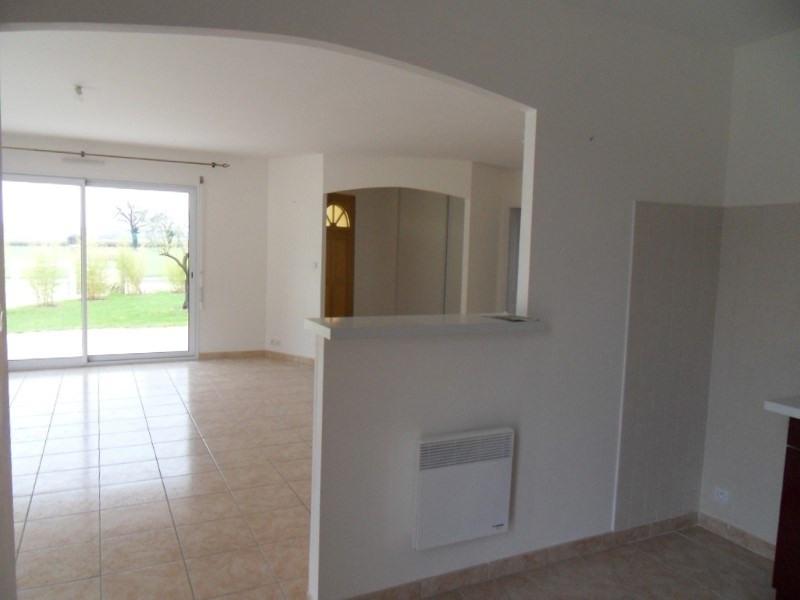 Location maison / villa Coulonges 750€ +CH - Photo 4