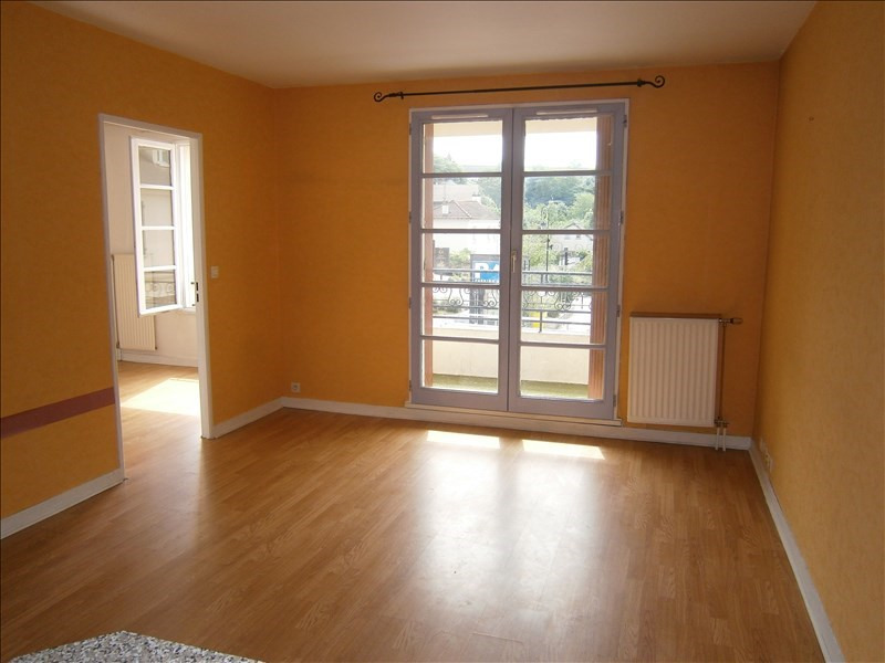 Location appartement Buc 870€ CC - Photo 1