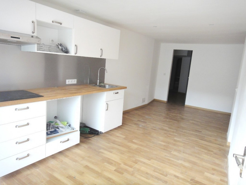Location appartement Rians 462€ CC - Photo 1
