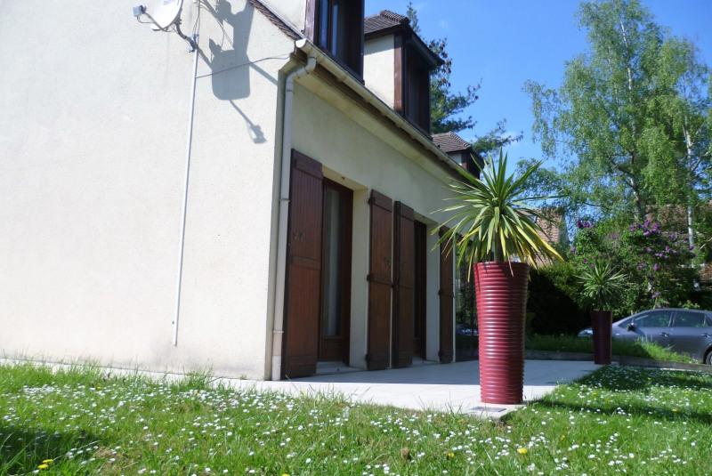 Sale house / villa Montlignon 525000€ - Picture 1