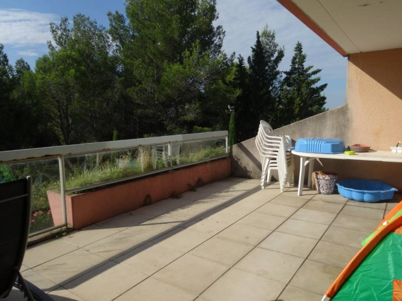 Location appartement Villeneuve-les-avignon 892€ CC - Photo 2