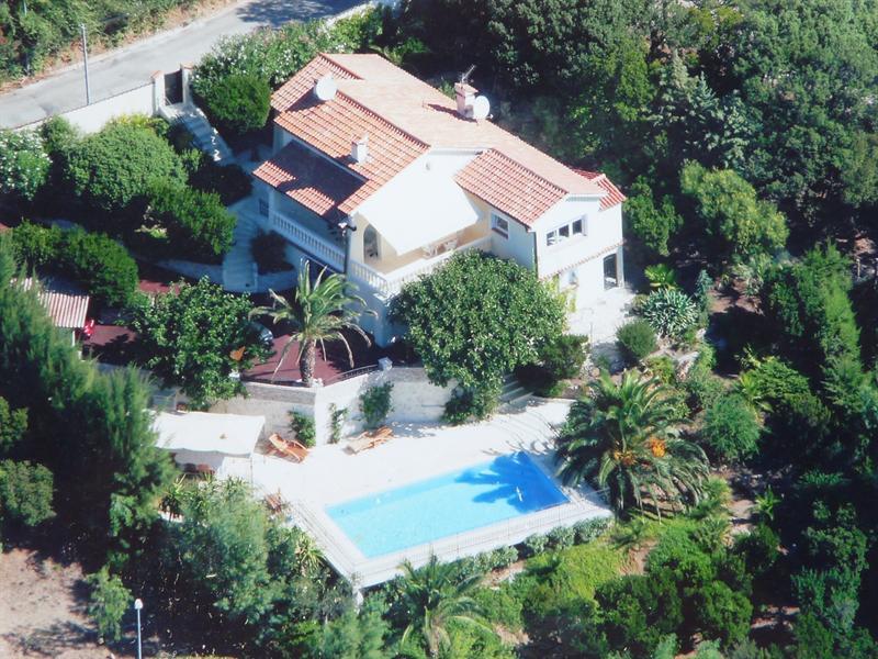 Sale house / villa Les issambres 585000€ - Picture 1