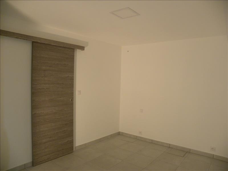 Rental apartment St jean pied de port 445€ CC - Picture 2