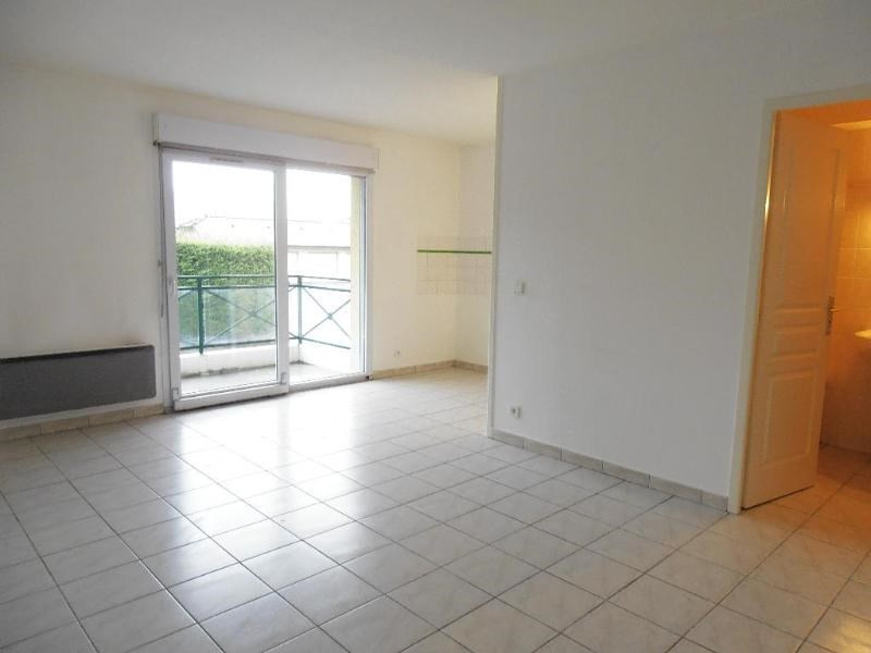 Rental apartment Montreal la cluse 420€ CC - Picture 1