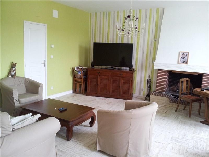 Location maison / villa Aze 750€ CC - Photo 3