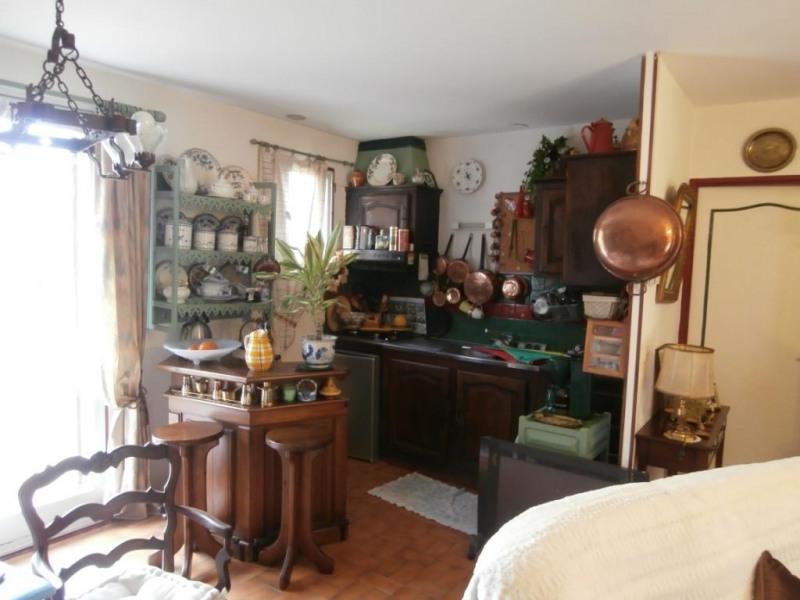 Sale house / villa Saint pierre d'eyraud 88600€ - Picture 6