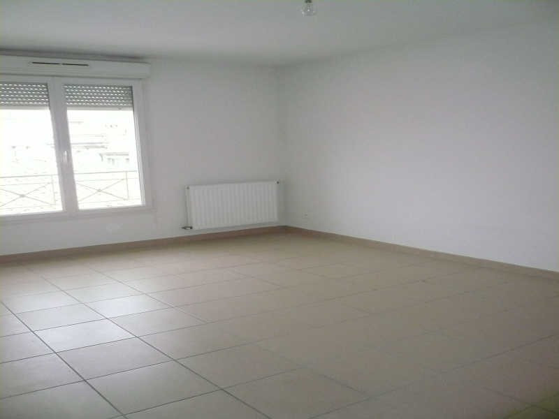Location appartement Nimes 730€ CC - Photo 9