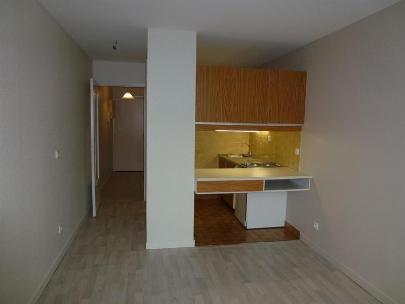 Rental apartment Chambery 437€ CC - Picture 2