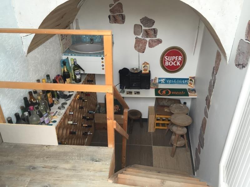 Sale house / villa Avrille 299520€ - Picture 8