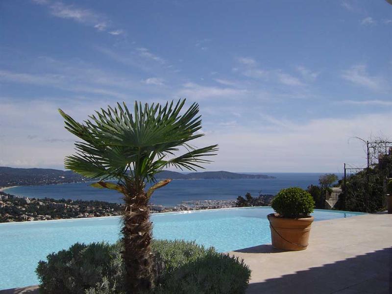 Vacation rental house / villa Cavalaire sur mer 5500€ - Picture 2