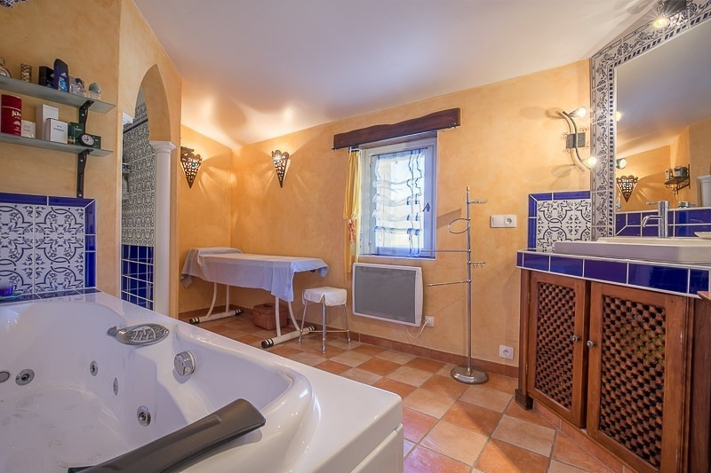 Deluxe sale house / villa Le puy ste reparade 798000€ - Picture 3