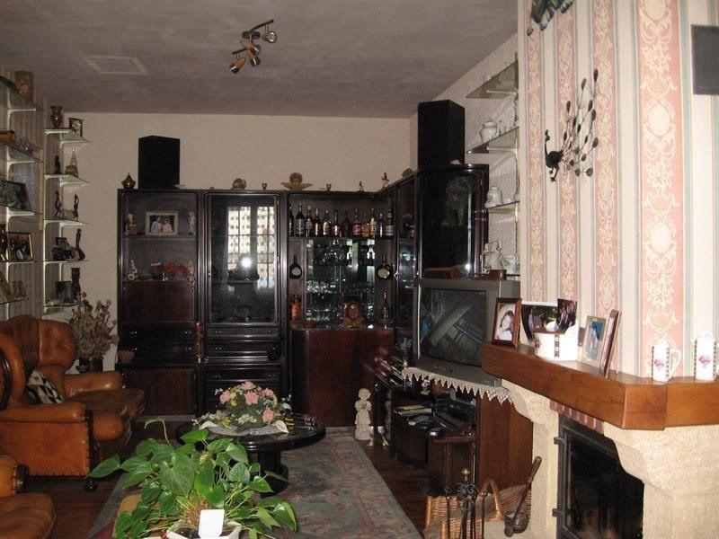 Sale house / villa Montguyon 144000€ - Picture 4