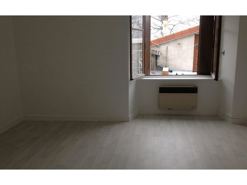 Rental apartment St agreve 270€ CC - Picture 1