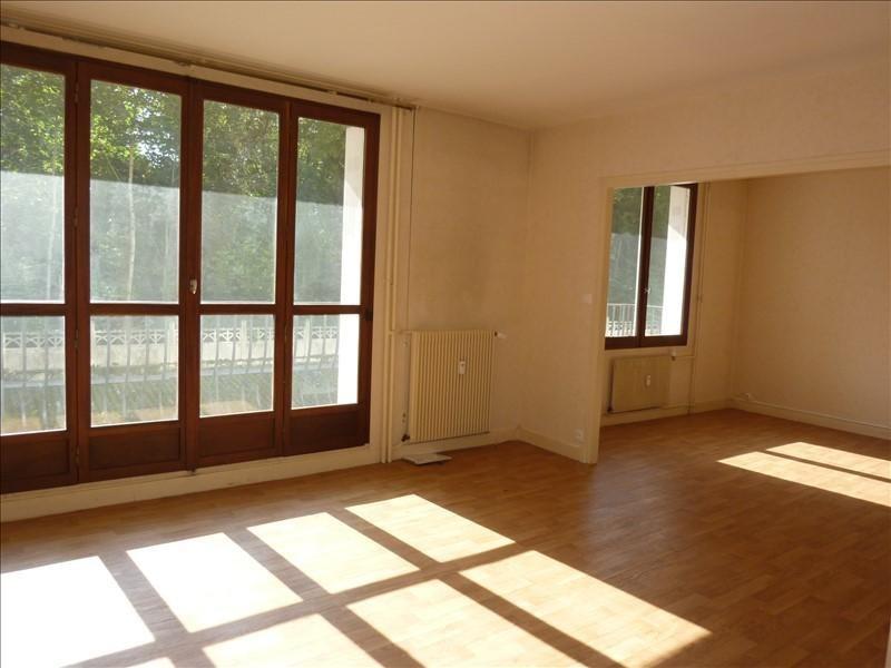 Rental apartment Auxerre 700€ CC - Picture 1