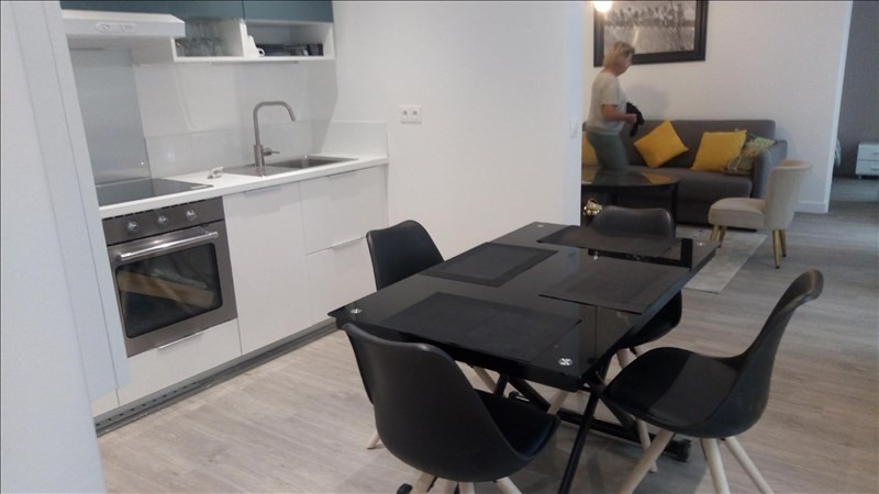Location appartement Paris 2ème 1 800€ CC - Photo 2
