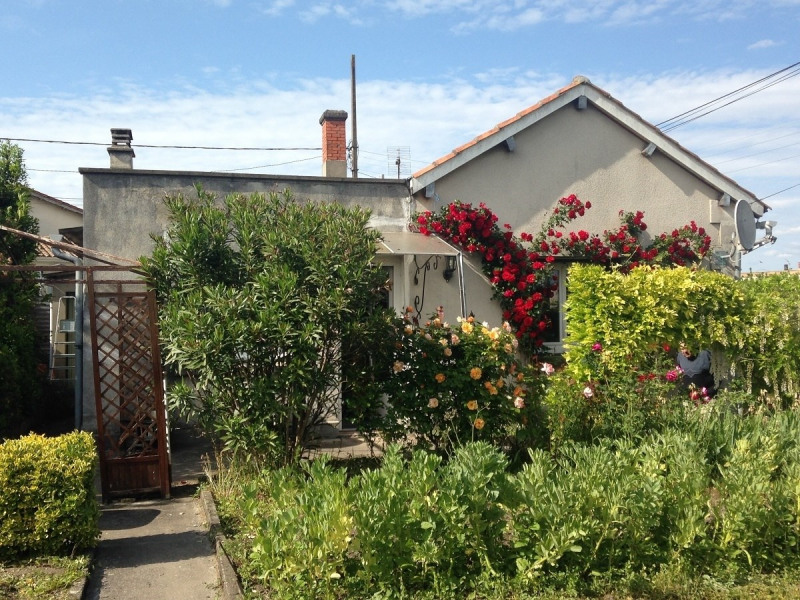 Sale house / villa Barbezieux saint-hilaire 86 000€ - Picture 1