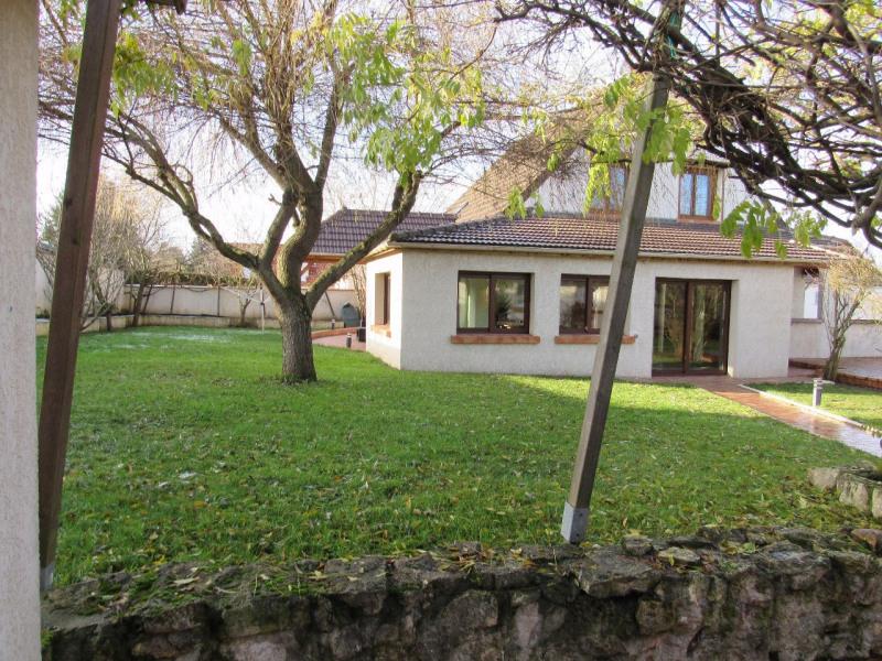 Sale house / villa Ferolles attilly 435000€ - Picture 1