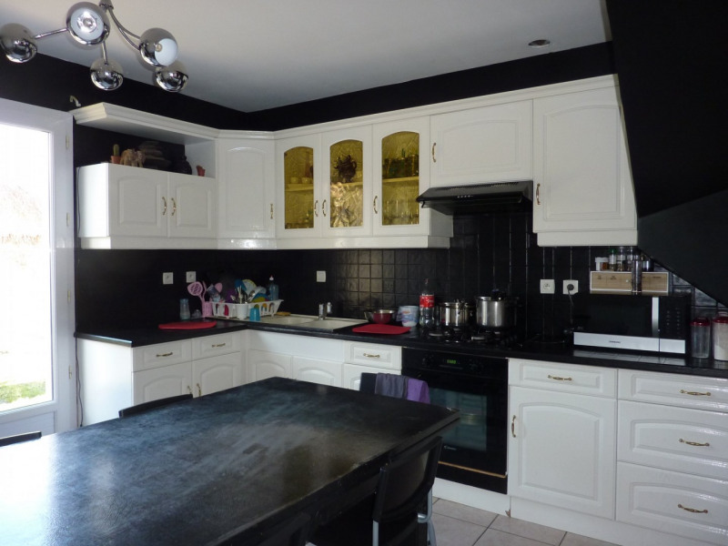Sale house / villa Beaurepaire 255000€ - Picture 3