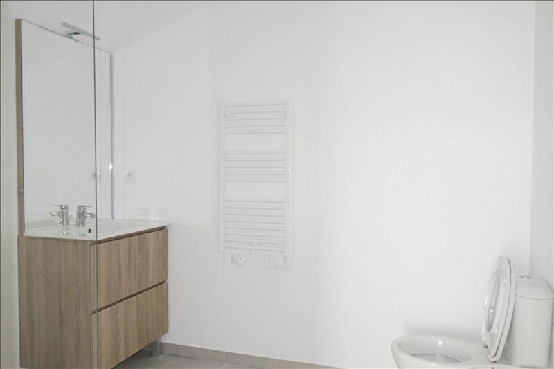 Rental apartment Londe les maures 693€ CC - Picture 6