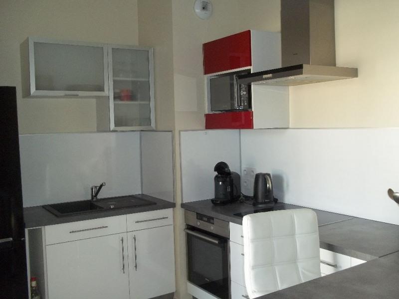 Rental apartment L isle d abeau 590€ CC - Picture 3