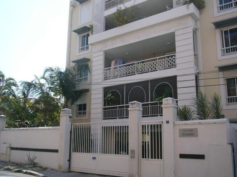 Location appartement St denis 850€ CC - Photo 1