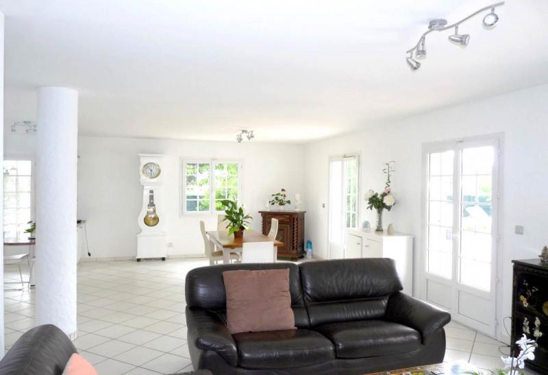 Deluxe sale house / villa Reignier 559000€ - Picture 2